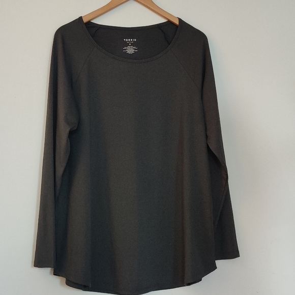 TORRID ACTIVE Long Sleeve Top Size0